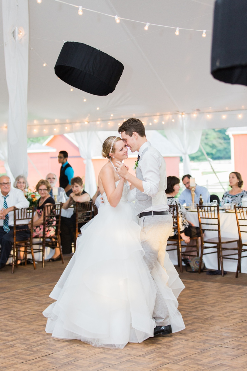 Lauren And Tim S Wedding Day Was Something Of True Bliss Tucked Away In A Little Town Called Le River Oak Hill Weddings The Perfect Place For These